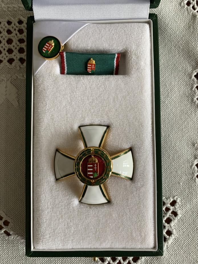 A díjazott kitüntetése