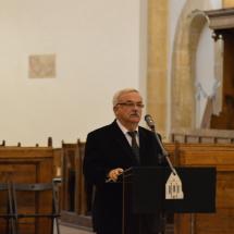 Köszöntő beszédet mond Kató Béla református püspök